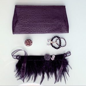 Feathered Craft 'Extravaganzaa' Necklace, Semi-Precious Bracelets & Matching Purse (Black & Silver)